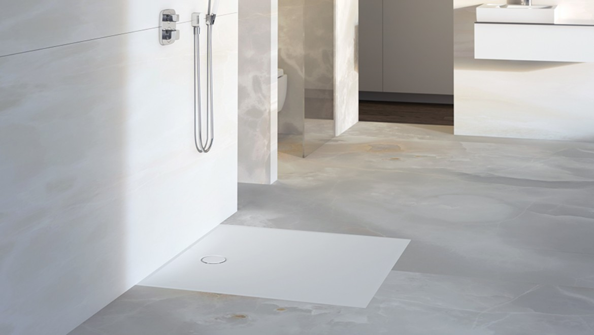 Bathroom with floor-even Geberit shower surface Setaplano