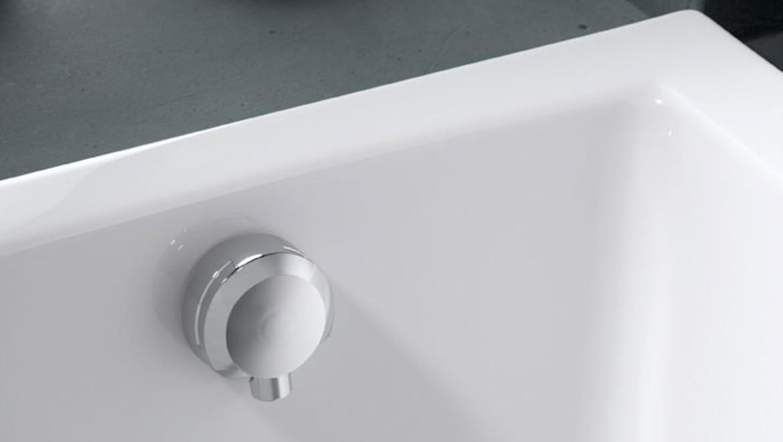 Geberit bathtub overflow with integrated bathtub drain