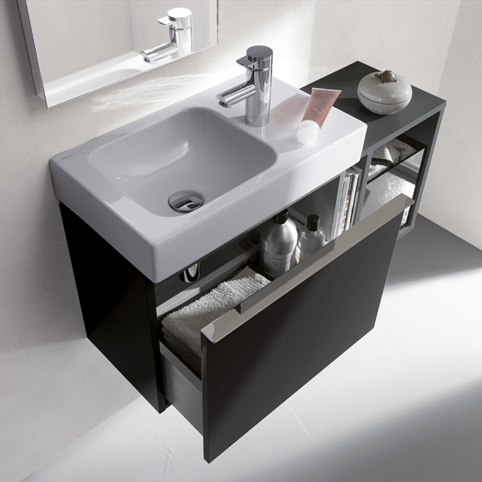 Geberit iCon washbasin and open cabinet