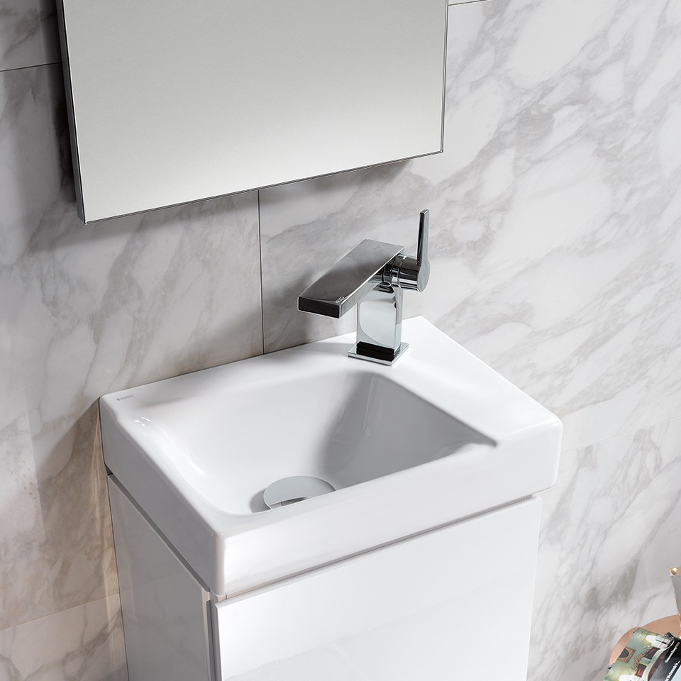 Geberit Xeno2 washbasin in a guest bathroom