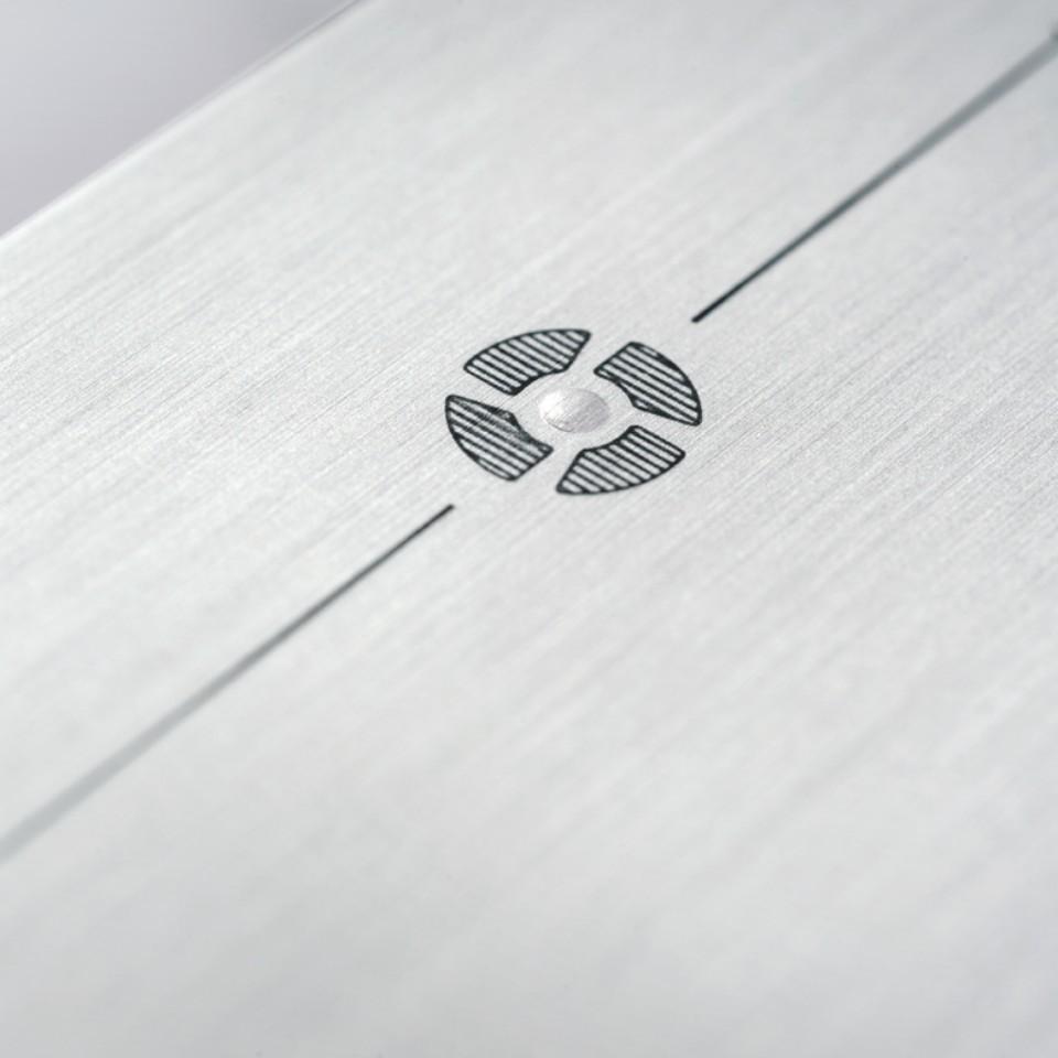 Aspiration et filtration des odeurs sur panneau sanitaire Monolith Plus