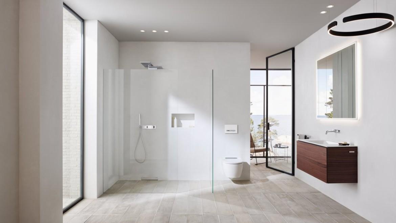 Geberit ONE Bad mit leicht zu reinigendem Waschtisch, Toilette und bodenebener Dusche