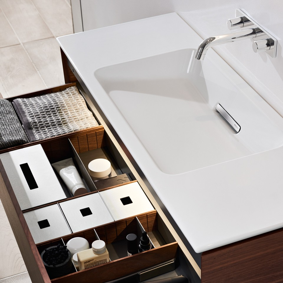 Geberit ONE washbasin storage space