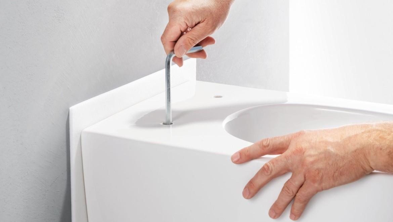 Einfache und schnelle Montage der Geberit ONE Toilette