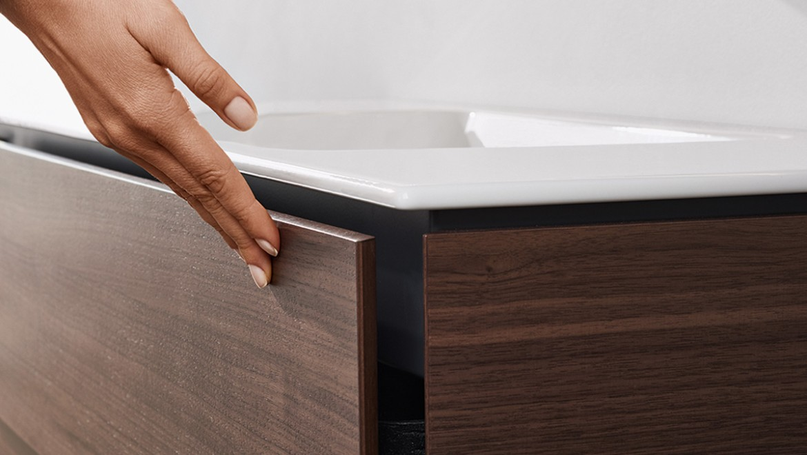 Geberit ONE washbasin with space-saving system