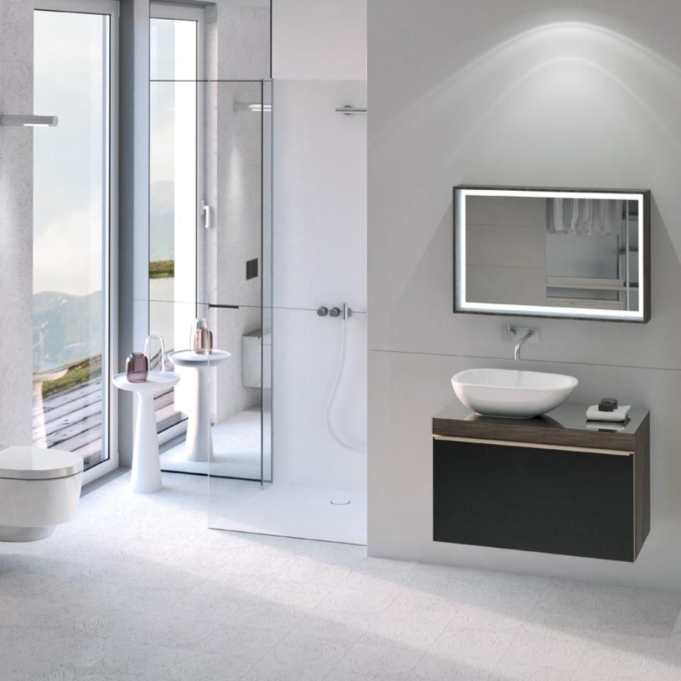 Ein Badezimmer mit Dusch-WC
